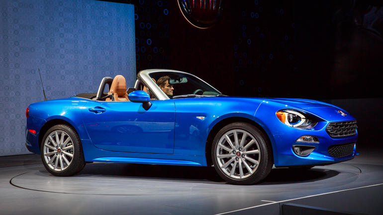 fiat 124 spider classica 2017 available for 26 000 with 160hp challenges mazda mx 5. Black Bedroom Furniture Sets. Home Design Ideas