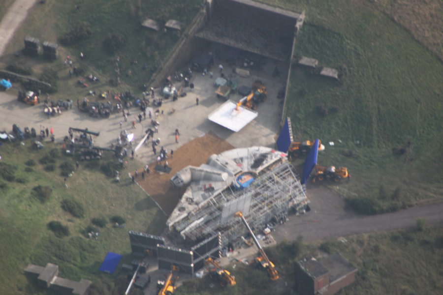 Harrison Ford's accident on the set for the latest Star War movie caused commotion as the actor had to be rushed to the nearest hospital. Image Source: Star Wars Underworld