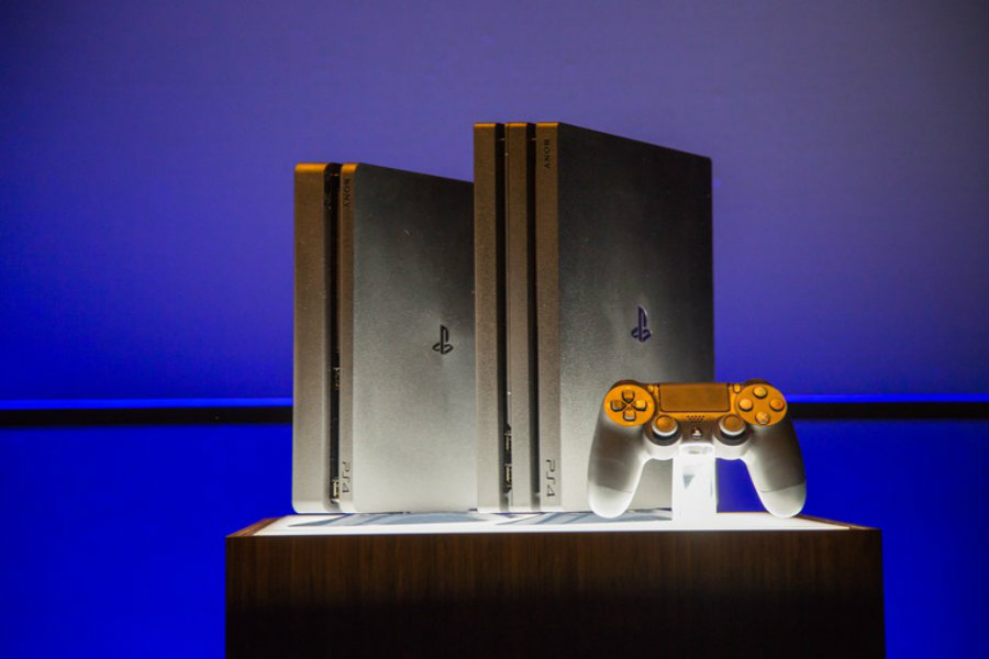 A side by side comparison between the PlayStation 4 and the upcoming PlayStation 4 Pro. Image Source: IGN