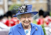 Quen Elizabeth II is not dead - December 2016