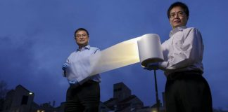 researchers-ronggui-yang-right-and-xiaobo-yin-left-show-how-lightweight-the-material-is