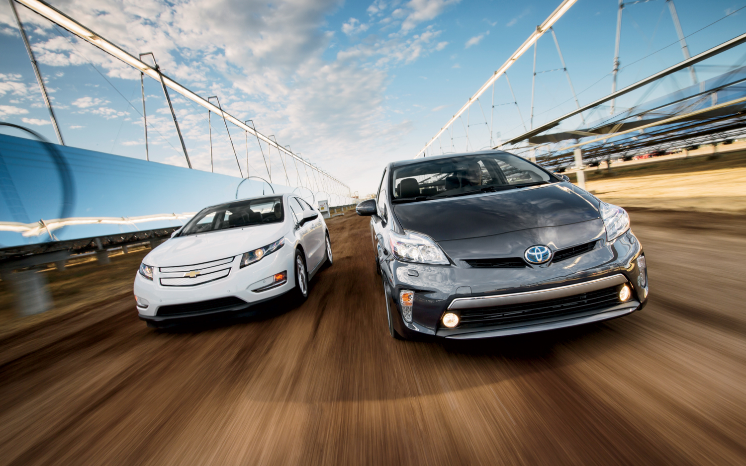 Chevrolet Volt 2016 Vs Toyota Prius Nissan Leaf Which One To