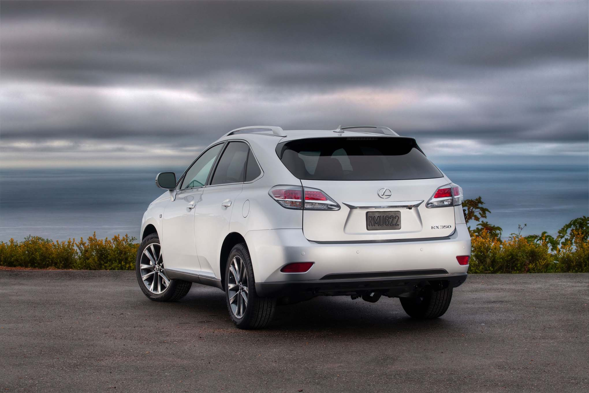 lexus-rx-2015-white-wallpaper-6