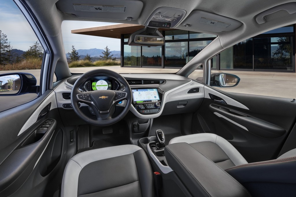 2017-Chevrolet-Bolt-EV-Interior-01-1024x683