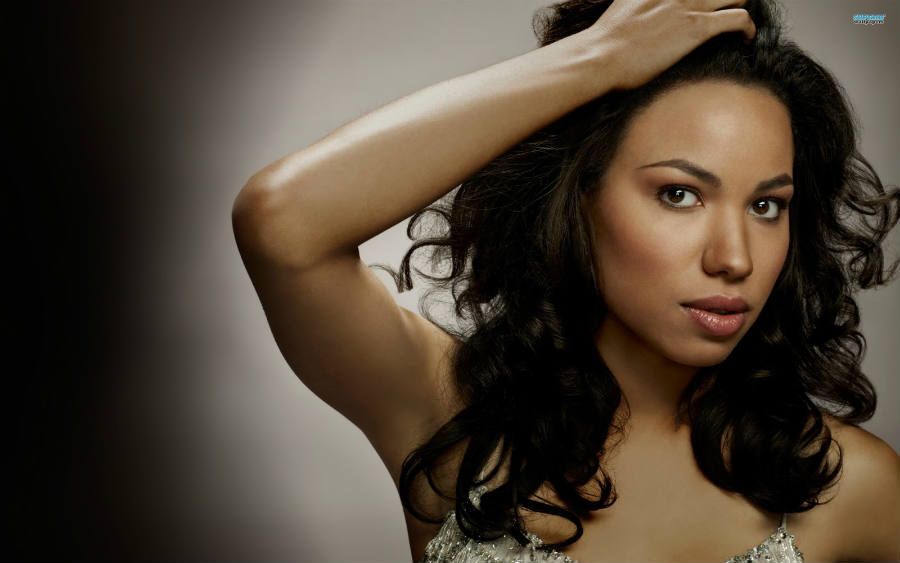 True Blod's Jurnee Smollett-Bell will speak at the BlogHer conference 2016