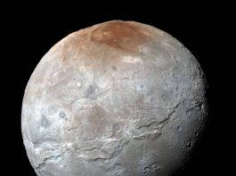 Charon-red spot-new horizon