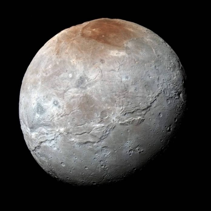 Charon-red spot-new horizon