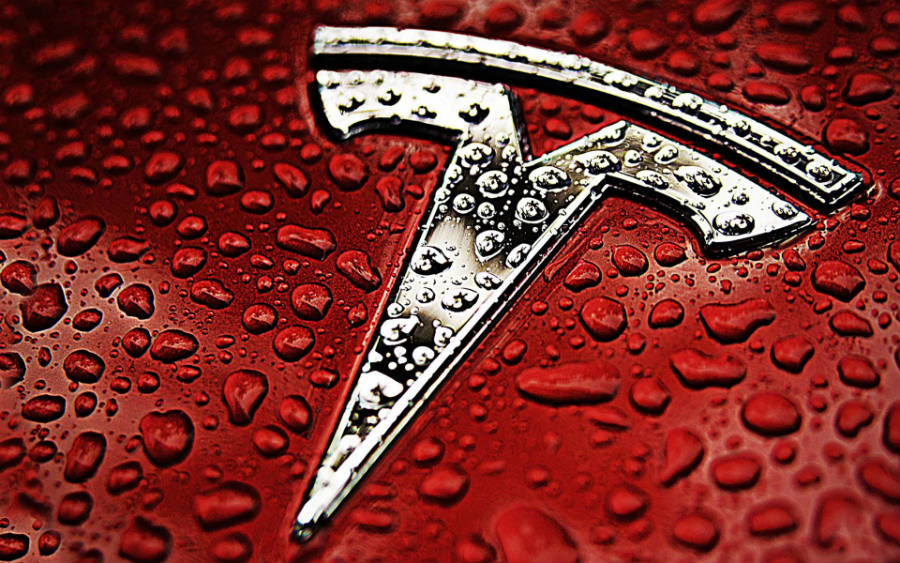 Tesla fixes a bug in its security software remotely