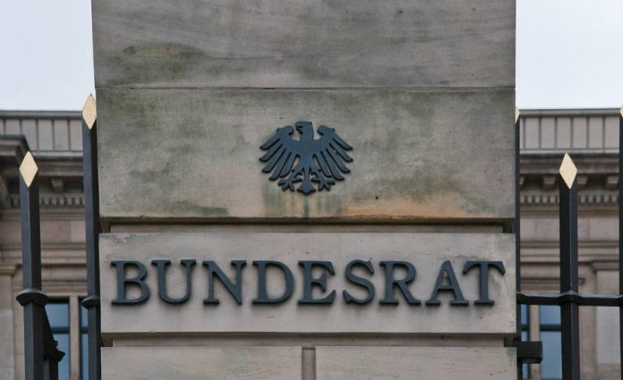 The Bundesrat calls for a ban opn combustion-engine cars.