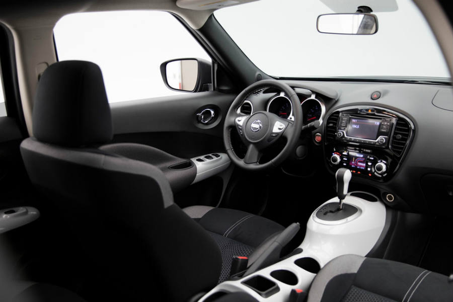 2017 Nissan Juke Black Pearl Edition interior.