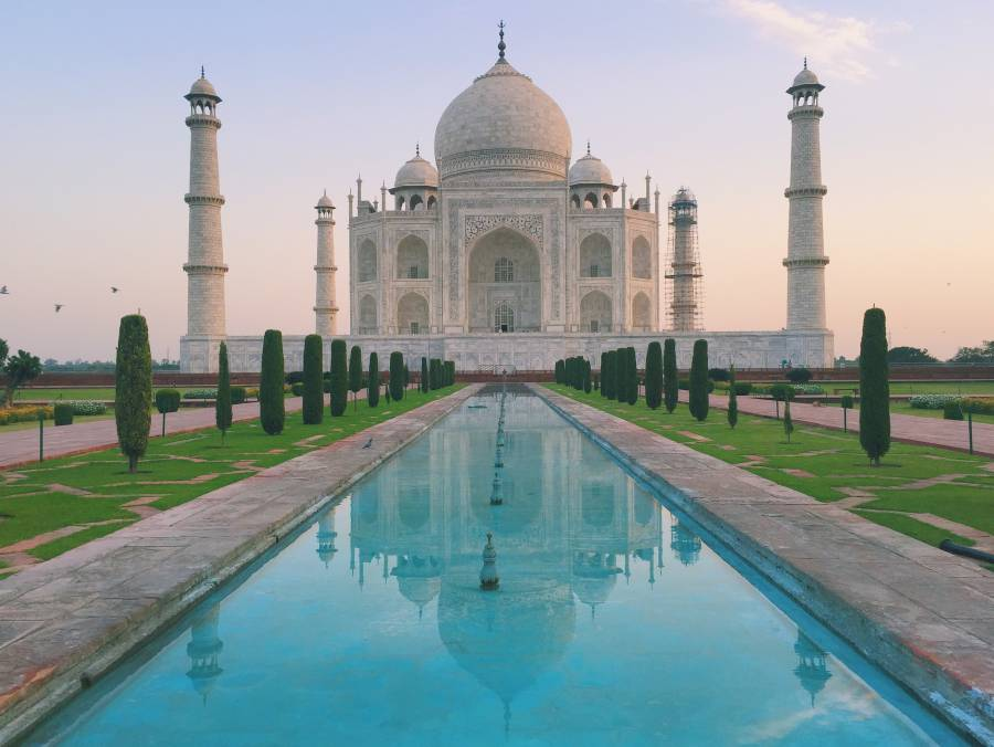 Taj Mahal day picture. Image: World of Wanderlust.
