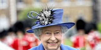Quen Elizabeth II is not dead - December 2016