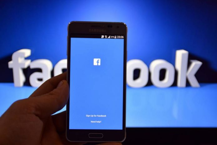 Facebook works on a video app and tweaks its video platform