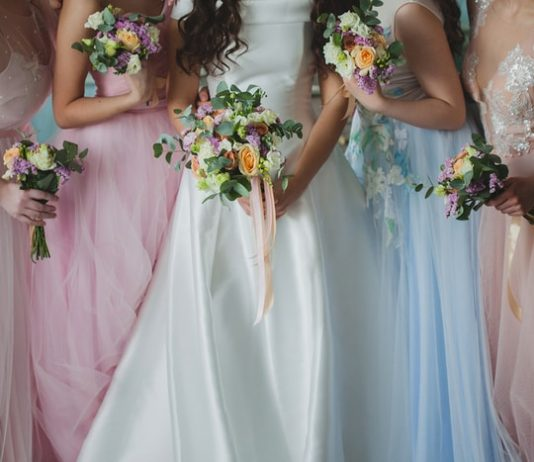 How to Style Convertible Bridesmaid Dresses