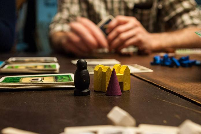 5 Occasions to Play Trivia Board Games with the Older Generation