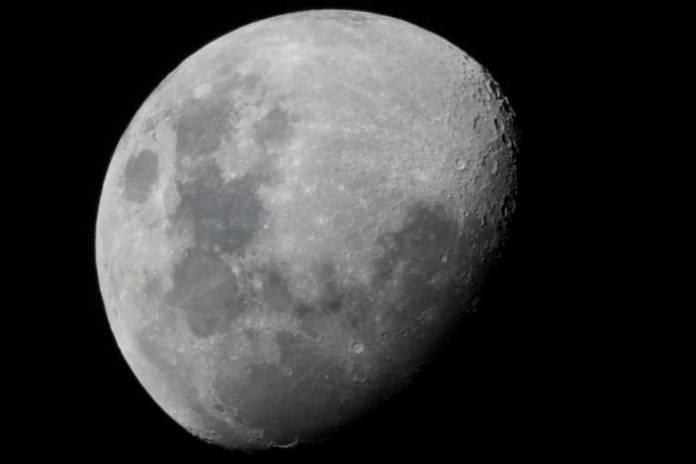 Japanese Billionaire Yusaku Maezawa Hunts for Volunteers to Travel Round the Moon