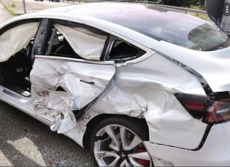 Crashed Tesla Model S Owner in Houston Had Twice the Alcohol Limit in His Body